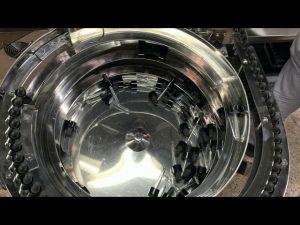 màquina mecànica d'ompliment i tapatge de biberons tipus Cbd
